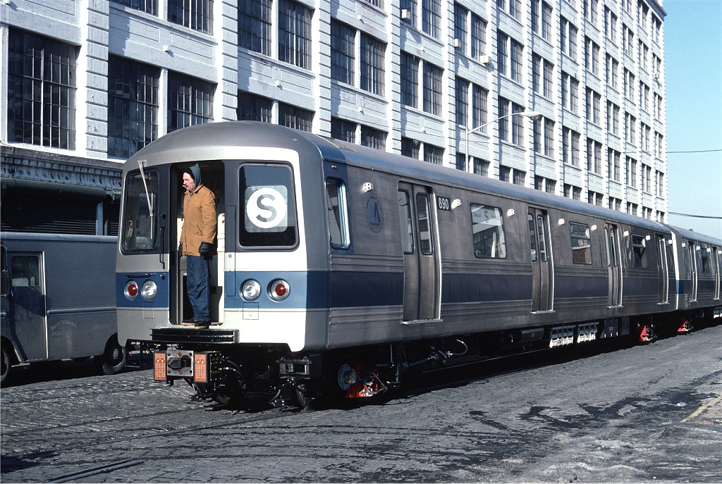 (272k, 1024x687)<br><b>Country:</b> United States<br><b>City:</b> New York<br><b>System:</b> New York City Transit<br><b>Line:</b> South Brooklyn Railway<br><b>Location:</b> Bush Terminal - 2nd Ave & 41st (BTRR)<br><b>Car:</b> R-46 (Pullman-Standard, 1974-75) 890 <br><b>Photo by:</b> Ed McKernan<br><b>Collection of:</b> Joe Testagrose<br><b>Date:</b> 12/30/1976<br><b>Viewed (this week/total):</b> 0 / 1451