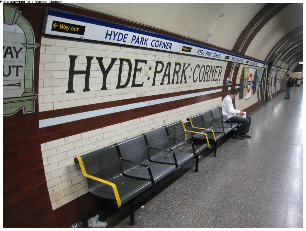 (236k, 1044x788)<br><b>Country:</b> United Kingdom<br><b>City:</b> London<br><b>System:</b> London Underground<br><b>Line:</b> Piccadilly<br><b>Location:</b> Hyde Park Corner <br><b>Photo by:</b> Bernard Chatreau<br><b>Date:</b> 7/12/2008<br><b>Viewed (this week/total):</b> 0 / 317