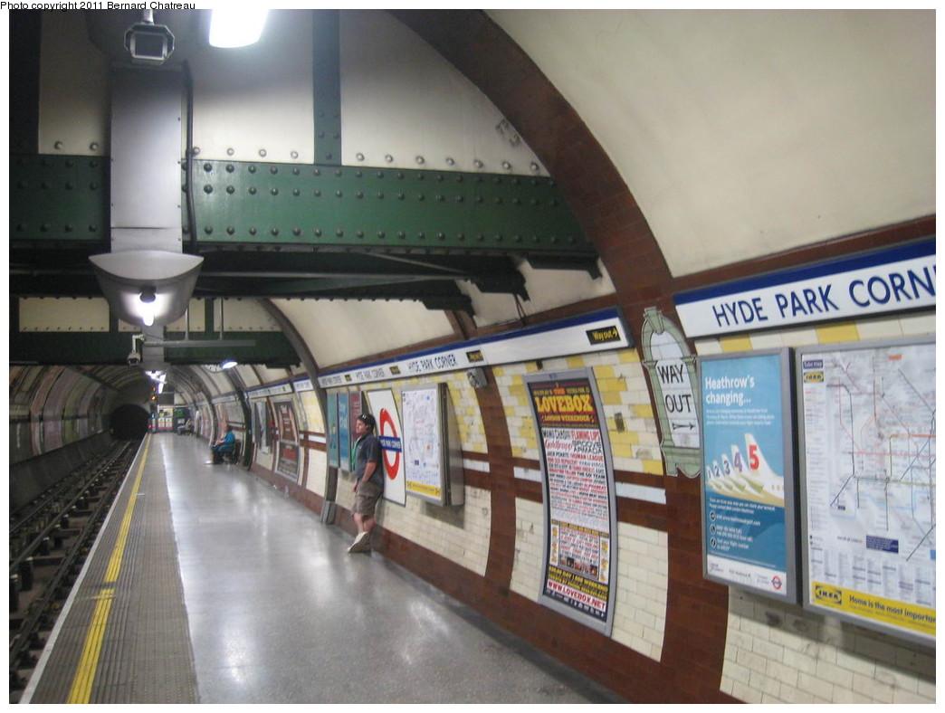 (199k, 1044x788)<br><b>Country:</b> United Kingdom<br><b>City:</b> London<br><b>System:</b> London Underground<br><b>Line:</b> Piccadilly<br><b>Location:</b> Hyde Park Corner <br><b>Photo by:</b> Bernard Chatreau<br><b>Date:</b> 7/12/2008<br><b>Viewed (this week/total):</b> 0 / 416