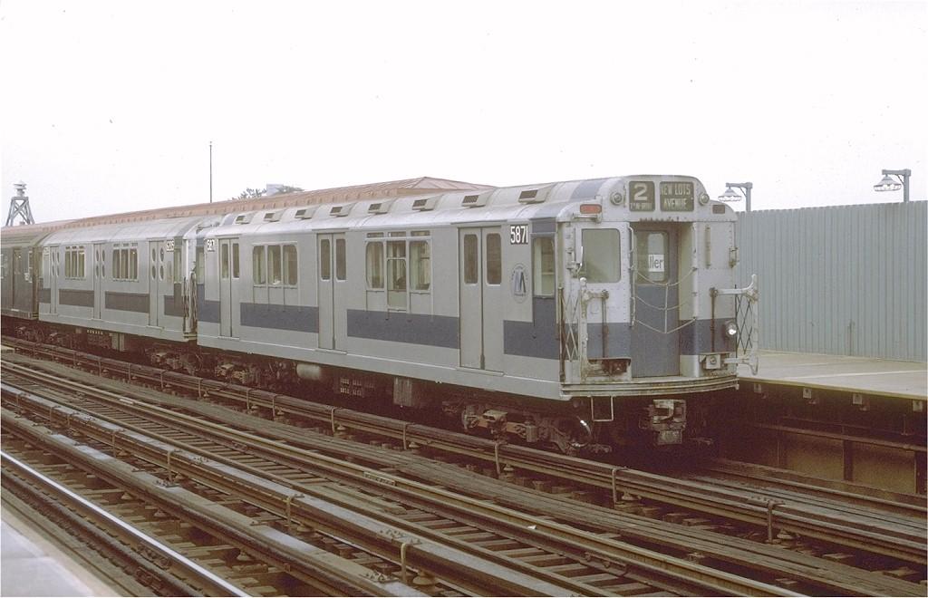 (164k, 1024x660)<br><b>Country:</b> United States<br><b>City:</b> New York<br><b>System:</b> New York City Transit<br><b>Line:</b> IRT White Plains Road Line<br><b>Location:</b> Allerton Avenue <br><b>Route:</b> 2<br><b>Car:</b> R-14 (American Car & Foundry, 1949) 5871 <br><b>Photo by:</b> Joe Testagrose<br><b>Date:</b> 9/20/1971<br><b>Viewed (this week/total):</b> 1 / 3683