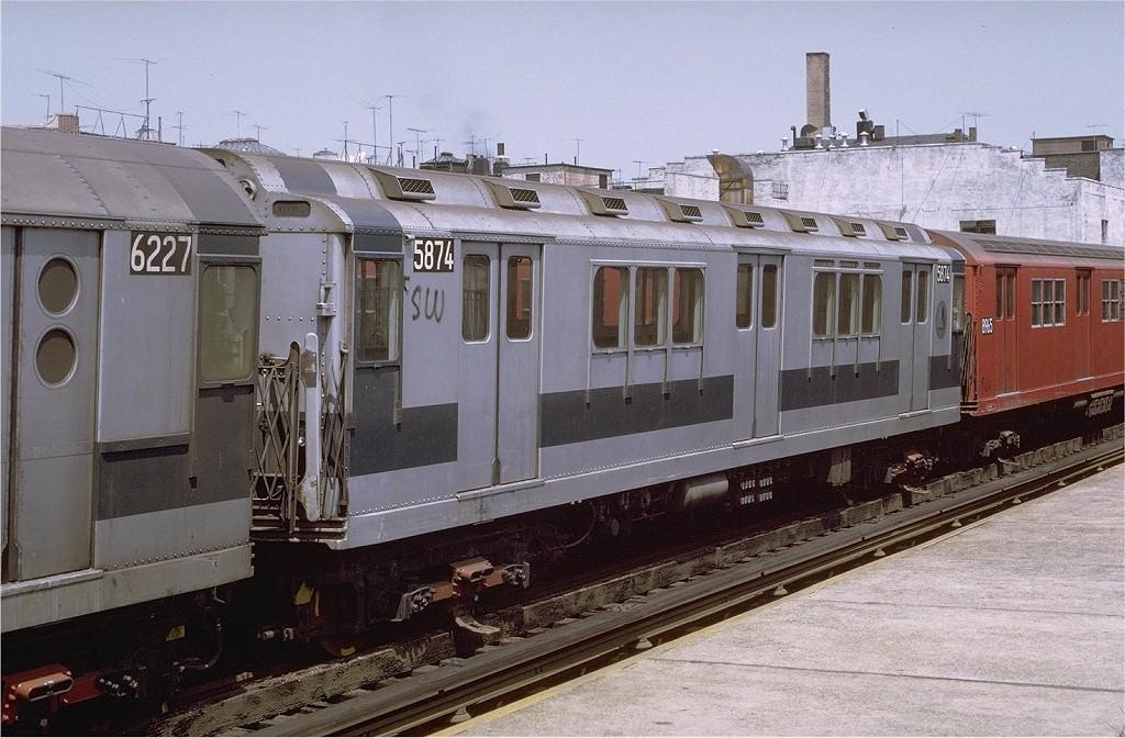(213k, 1024x672)<br><b>Country:</b> United States<br><b>City:</b> New York<br><b>System:</b> New York City Transit<br><b>Line:</b> IRT Woodlawn Line<br><b>Location:</b> Fordham Road <br><b>Route:</b> 4<br><b>Car:</b> R-14 (American Car & Foundry, 1949) 5874 <br><b>Photo by:</b> Joe Testagrose<br><b>Date:</b> 8/7/1971<br><b>Viewed (this week/total):</b> 1 / 2511