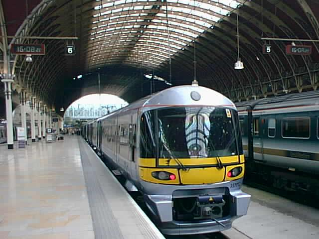 (50k, 640x480)<br><b>Country:</b> United Kingdom<br><b>City:</b> London<br><b>System:</b> London Main Line Rail<br><b>Location:</b> Paddington<br><b>Route:</b> Heathrow Express<br><b>Photo by:</b> Rob Morel<br><b>Date:</b> 9/4/1999<br><b>Notes:</b> Heathrow Exp.<br><b>Viewed (this week/total):</b> 2 / 3948