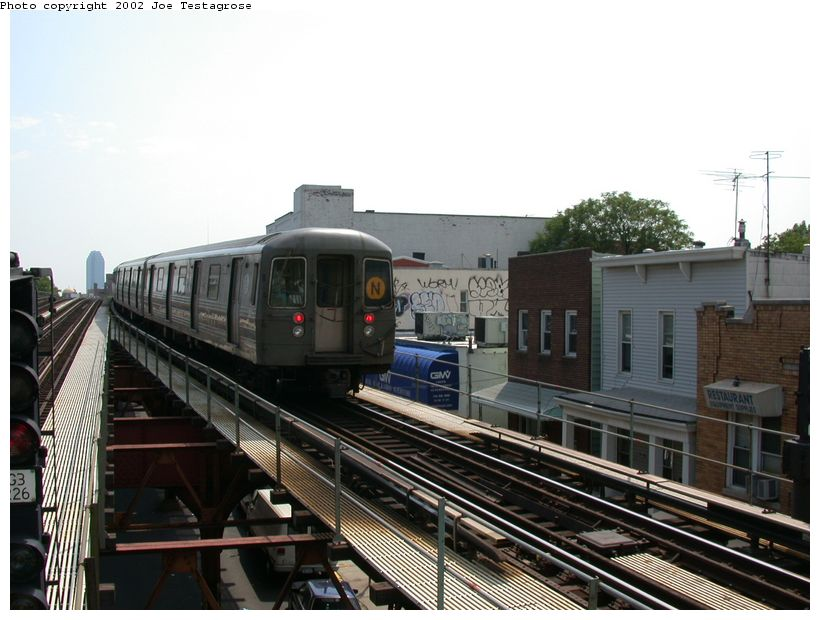(118k, 820x620)<br><b>Country:</b> United States<br><b>City:</b> New York<br><b>System:</b> New York City Transit<br><b>Line:</b> BMT Astoria Line<br><b>Location:</b> Astoria Boulevard/Hoyt Avenue <br><b>Route:</b> N<br><b>Car:</b> R-68 (Westinghouse-Amrail, 1986-1988)  2782 <br><b>Photo by:</b> Joe Testagrose<br><b>Date:</b> 6/19/2002<br><b>Viewed (this week/total):</b> 2 / 5069