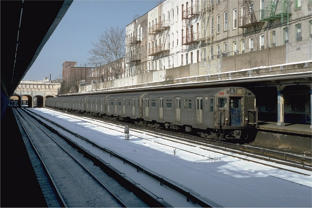 (220k, 1024x683)<br><b>Country:</b> United States<br><b>City:</b> New York<br><b>System:</b> New York City Transit<br><b>Line:</b> BMT Sea Beach Line<br><b>Location:</b> 18th Avenue <br><b>Car:</b> R-32 (Budd, 1964)  3897 <br><b>Photo by:</b> Neil Axelrod<br><b>Collection of:</b> Joe Testagrose<br><b>Date:</b> 1/20/1982<br><b>Viewed (this week/total):</b> 5 / 4004