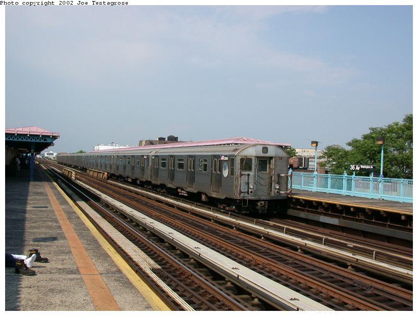 (121k, 820x620)<br><b>Country:</b> United States<br><b>City:</b> New York<br><b>System:</b> New York City Transit<br><b>Line:</b> BMT Astoria Line<br><b>Location:</b> 36th/Washington Aves. <br><b>Car:</b> R-32 (Budd, 1964)  3949 <br><b>Photo by:</b> Joe Testagrose<br><b>Date:</b> 6/19/2002<br><b>Viewed (this week/total):</b> 0 / 4263