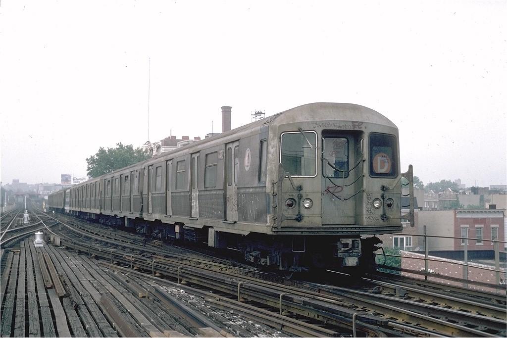 (177k, 1024x683)<br><b>Country:</b> United States<br><b>City:</b> New York<br><b>System:</b> New York City Transit<br><b>Line:</b> BMT Astoria Line<br><b>Location:</b> Ditmars Boulevard <br><b>Route:</b> N<br><b>Car:</b> R-40M (St. Louis, 1969)  4473 (ex-4273)<br><b>Photo by:</b> Steve Zabel<br><b>Collection of:</b> Joe Testagrose<br><b>Date:</b> 8/5/1982<br><b>Viewed (this week/total):</b> 13 / 12836
