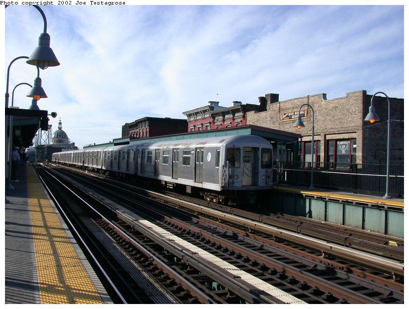 (135k, 820x620)<br><b>Country:</b> United States<br><b>City:</b> New York<br><b>System:</b> New York City Transit<br><b>Line:</b> BMT Nassau Street/Jamaica Line<br><b>Location:</b> Marcy Avenue <br><b>Route:</b> J<br><b>Car:</b> R-42 (St. Louis, 1969-1970)  4815 <br><b>Photo by:</b> Joe Testagrose<br><b>Date:</b> 9/22/2002<br><b>Viewed (this week/total):</b> 3 / 3081