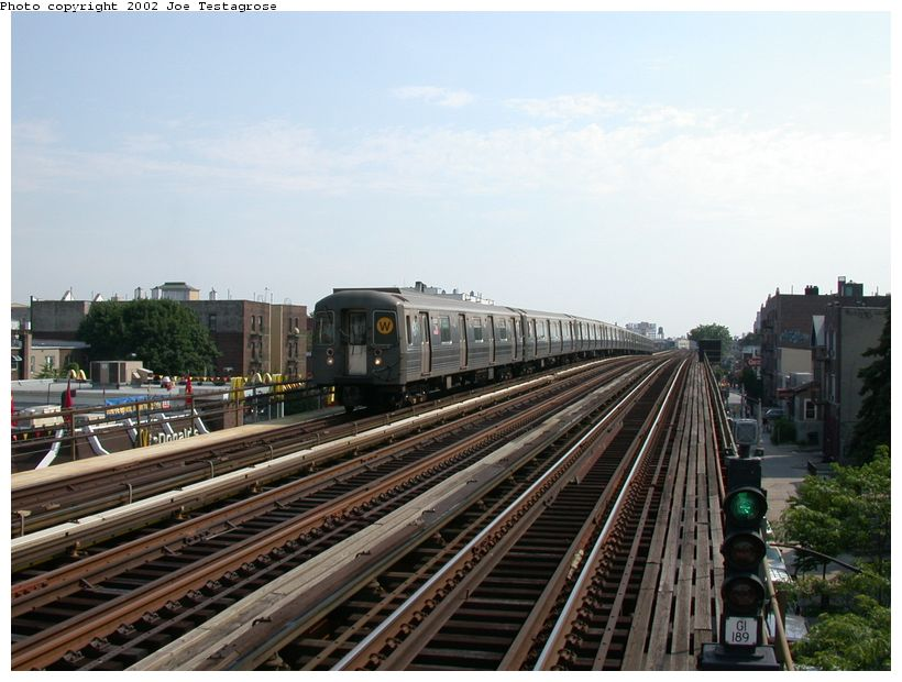 (119k, 820x620)<br><b>Country:</b> United States<br><b>City:</b> New York<br><b>System:</b> New York City Transit<br><b>Line:</b> BMT Astoria Line<br><b>Location:</b> Broadway <br><b>Route:</b> W<br><b>Car:</b> R-68A (Kawasaki, 1988-1989)  5030 <br><b>Photo by:</b> Joe Testagrose<br><b>Date:</b> 6/19/2002<br><b>Viewed (this week/total):</b> 0 / 3727