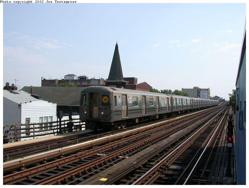 (115k, 820x620)<br><b>Country:</b> United States<br><b>City:</b> New York<br><b>System:</b> New York City Transit<br><b>Line:</b> BMT Astoria Line<br><b>Location:</b> 30th/Grand Aves. <br><b>Route:</b> W<br><b>Car:</b> R-68A (Kawasaki, 1988-1989)  5034 <br><b>Photo by:</b> Joe Testagrose<br><b>Date:</b> 6/19/2002<br><b>Viewed (this week/total):</b> 1 / 3686