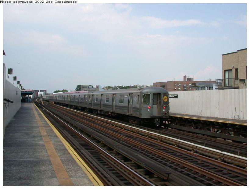 (106k, 820x620)<br><b>Country:</b> United States<br><b>City:</b> New York<br><b>System:</b> New York City Transit<br><b>Line:</b> BMT Astoria Line<br><b>Location:</b> 30th/Grand Aves. <br><b>Route:</b> W<br><b>Car:</b> R-68A (Kawasaki, 1988-1989)  5178 <br><b>Photo by:</b> Joe Testagrose<br><b>Date:</b> 6/19/2002<br><b>Viewed (this week/total):</b> 0 / 3212