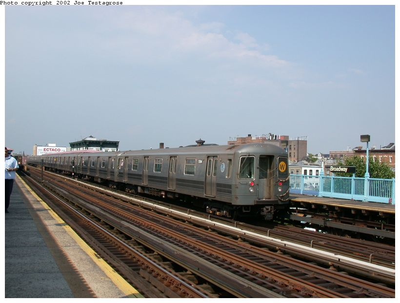 (111k, 820x620)<br><b>Country:</b> United States<br><b>City:</b> New York<br><b>System:</b> New York City Transit<br><b>Line:</b> BMT Astoria Line<br><b>Location:</b> Broadway <br><b>Route:</b> W<br><b>Car:</b> R-68A (Kawasaki, 1988-1989)  5194 <br><b>Photo by:</b> Joe Testagrose<br><b>Date:</b> 6/19/2002<br><b>Viewed (this week/total):</b> 0 / 3364