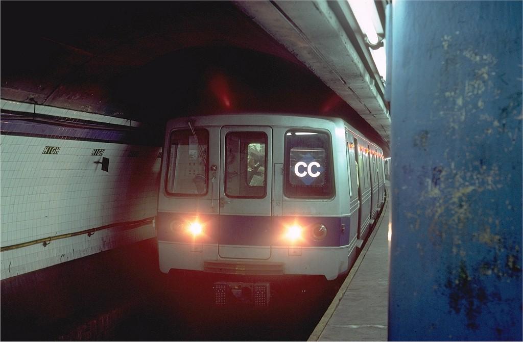 (150k, 1024x671)<br><b>Country:</b> United States<br><b>City:</b> New York<br><b>System:</b> New York City Transit<br><b>Line:</b> IND 8th Avenue Line<br><b>Location:</b> High Street/Brooklyn Bridge <br><b>Car:</b> R-46 (Pullman-Standard, 1974-75) 600 <br><b>Photo by:</b> Steve Zabel<br><b>Collection of:</b> Joe Testagrose<br><b>Date:</b> 8/21/1980<br><b>Viewed (this week/total):</b> 3 / 7636