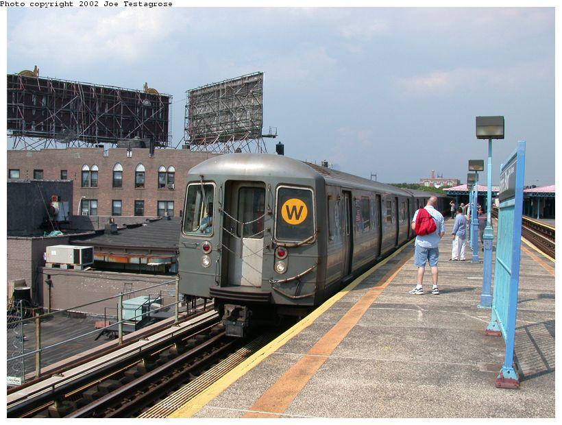 (140k, 820x620)<br><b>Country:</b> United States<br><b>City:</b> New York<br><b>System:</b> New York City Transit<br><b>Line:</b> BMT Astoria Line<br><b>Location:</b> Astoria Boulevard/Hoyt Avenue <br><b>Route:</b> W<br><b>Car:</b> R-68A (Kawasaki, 1988-1989)  5072 <br><b>Photo by:</b> Joe Testagrose<br><b>Date:</b> 6/19/2002<br><b>Viewed (this week/total):</b> 0 / 5089