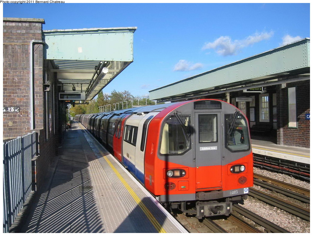 (256k, 1044x788)<br><b>Country:</b> United Kingdom<br><b>City:</b> London<br><b>System:</b> London Underground<br><b>Line:</b> Jubilee<br><b>Location:</b> Canons Park<br><b>Car:</b> 1996 Tube Stock 96083 <br><b>Photo by:</b> Bernard Chatreau<br><b>Date:</b> 10/30/2007<br><b>Viewed (this week/total):</b> 1 / 457