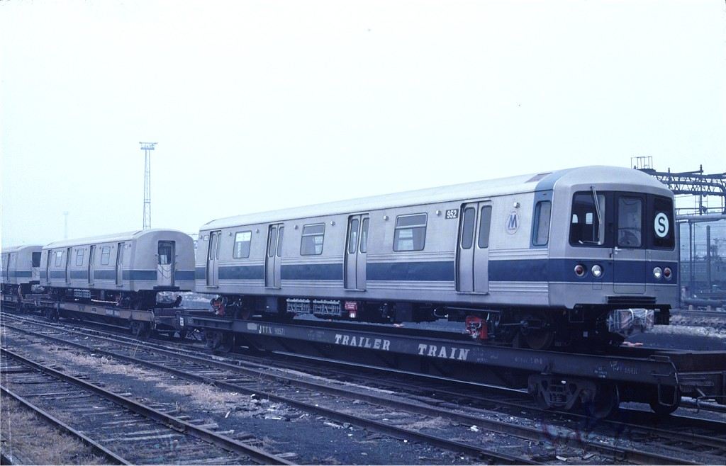 (141k, 1024x658)<br><b>Country:</b> United States<br><b>City:</b> Hoboken, NJ<br><b>System:</b> New York City Transit<br><b>Location:</b> Hoboken Yard <br><b>Car:</b> R-46 (Pullman-Standard, 1974-75) 952 <br><b>Photo by:</b> Ed McKernan<br><b>Collection of:</b> Joe Testagrose<br><b>Date:</b> 3/12/1977<br><b>Viewed (this week/total):</b> 0 / 497