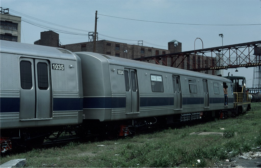 (179k, 1024x660)<br><b>Country:</b> United States<br><b>City:</b> New York<br><b>System:</b> New York City Transit<br><b>Location:</b> 1st Ave/50th St<br><b>Car:</b> R-46 (Pullman-Standard, 1974-75) 1034 <br><b>Collection of:</b> Joe Testagrose<br><b>Date:</b> 5/21/1977<br><b>Viewed (this week/total):</b> 1 / 568