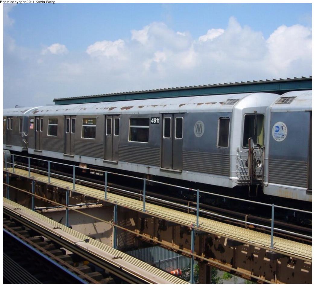 (235k, 1044x950)<br><b>Country:</b> United States<br><b>City:</b> New York<br><b>System:</b> New York City Transit<br><b>Line:</b> BMT Nassau Street/Jamaica Line<br><b>Location:</b> 121st Street <br><b>Route:</b> J<br><b>Car:</b> R-42 (St. Louis, 1969-1970)  4911 <br><b>Photo by:</b> Kevin Wong<br><b>Date:</b> 7/27/2007<br><b>Viewed (this week/total):</b> 0 / 948