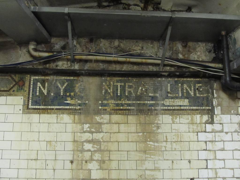 (103k, 1024x768)<br><b>Country:</b> United States<br><b>City:</b> New York<br><b>System:</b> New York City Transit<br><b>Line:</b> IRT Woodlawn Line<br><b>Location:</b> 149th Street/Grand Concourse <br><b>Photo by:</b> Robbie Rosenfeld<br><b>Date:</b> 3/29/2011<br><b>Notes:</b> NY Central mosaic.<br><b>Viewed (this week/total):</b> 1 / 1338