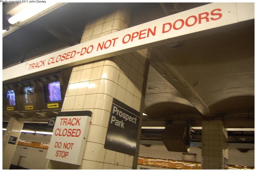 (168k, 1044x699)<br><b>Country:</b> United States<br><b>City:</b> New York<br><b>System:</b> New York City Transit<br><b>Line:</b> IND Crosstown Line<br><b>Location:</b> 15th Street/Prospect Park <br><b>Photo by:</b> John Dooley<br><b>Date:</b> 2/28/2011<br><b>Notes:</b> Trackwork - platform closed signs.<br><b>Viewed (this week/total):</b> 1 / 1365