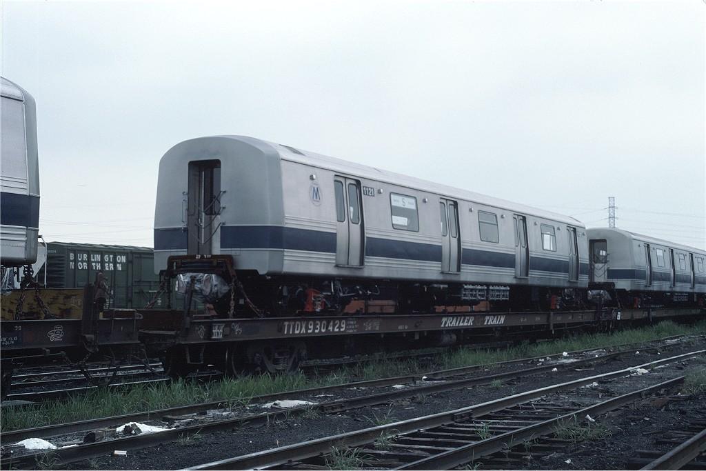 (169k, 1024x683)<br><b>Country:</b> United States<br><b>City:</b> Secaucus, NJ<br><b>System:</b> New York City Transit<br><b>Location:</b> Croxton Yard (NYCTA Equipment Delivery)<br><b>Car:</b> R-46 (Pullman-Standard, 1974-75) 1121 <br><b>Photo by:</b> Ed McKernan<br><b>Collection of:</b> Joe Testagrose<br><b>Date:</b> 8/10/1977<br><b>Viewed (this week/total):</b> 0 / 463