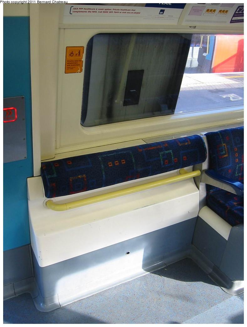 (174k, 788x1044)<br><b>Country:</b> United Kingdom<br><b>City:</b> London<br><b>System:</b> London Underground<br><b>Car:</b> 1996 Tube Stock 96085 <br><b>Photo by:</b> Bernard Chatreau<br><b>Date:</b> 10/30/2007<br><b>Viewed (this week/total):</b> 1 / 411