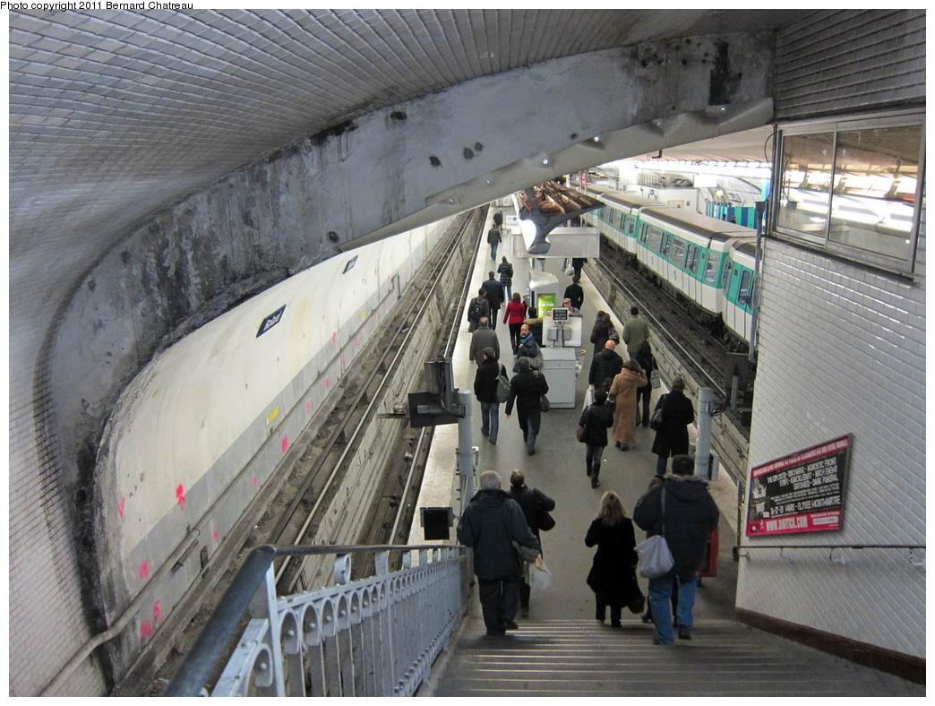 (348k, 1044x788)<br><b>Country:</b> France<br><b>City:</b> Paris<br><b>System:</b> RATP (Régie Autonome des Transports Parisiens)<br><b>Line:</b> Metro Ligne 8<br><b>Location:</b> Balard<br><b>Photo by:</b> Bernard Chatreau<br><b>Date:</b> 1/28/2010<br><b>Viewed (this week/total):</b> 0 / 426