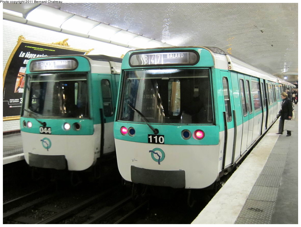 (274k, 1044x788)<br><b>Country:</b> France<br><b>City:</b> Paris<br><b>System:</b> RATP (Régie Autonome des Transports Parisiens)<br><b>Line:</b> Metro Ligne 8<br><b>Location:</b> Lourmel<br><b>Car:</b> MF77 30087 <br><b>Photo by:</b> Bernard Chatreau<br><b>Date:</b> 1/28/2010<br><b>Viewed (this week/total):</b> 0 / 432