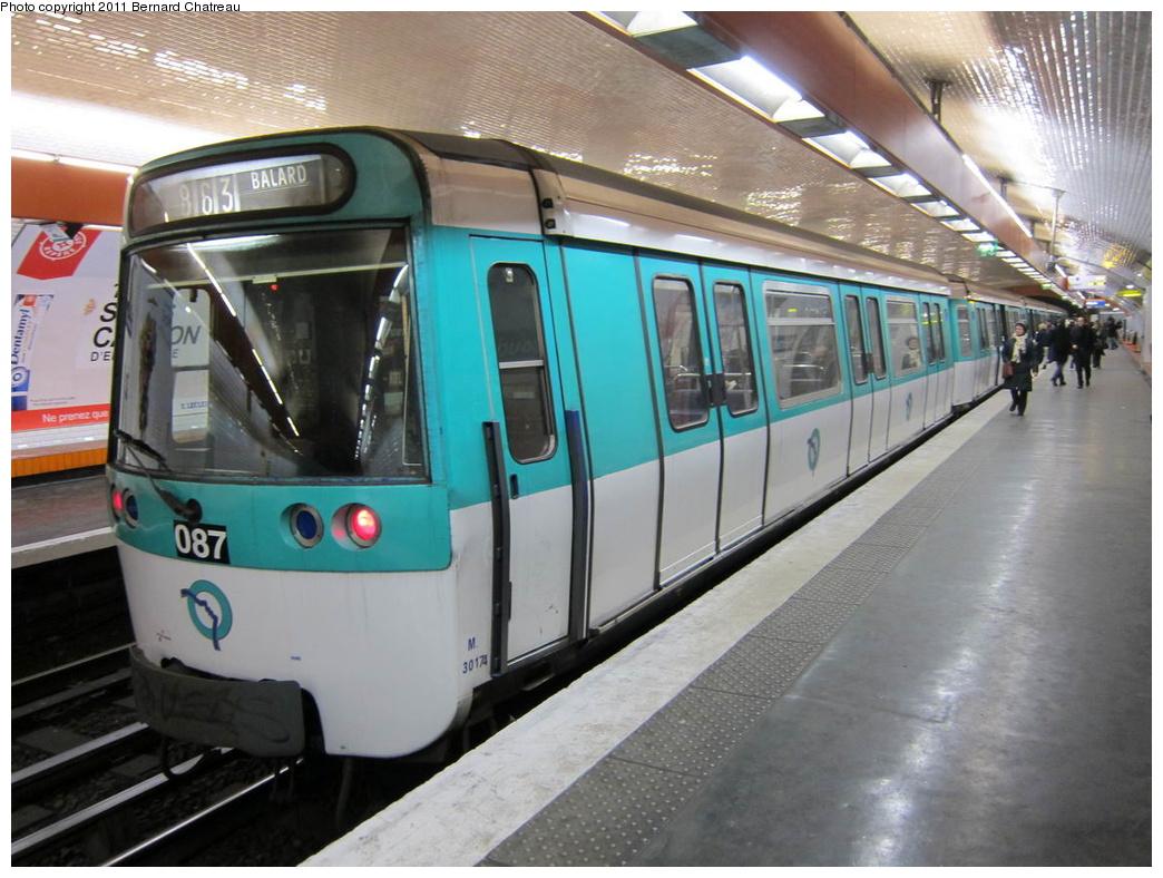 (306k, 1044x788)<br><b>Country:</b> France<br><b>City:</b> Paris<br><b>System:</b> RATP (Régie Autonome des Transports Parisiens)<br><b>Line:</b> Metro Ligne 8<br><b>Location:</b> Boucicaut<br><b>Car:</b> MF77 30174 <br><b>Photo by:</b> Bernard Chatreau<br><b>Date:</b> 1/28/2010<br><b>Viewed (this week/total):</b> 0 / 377