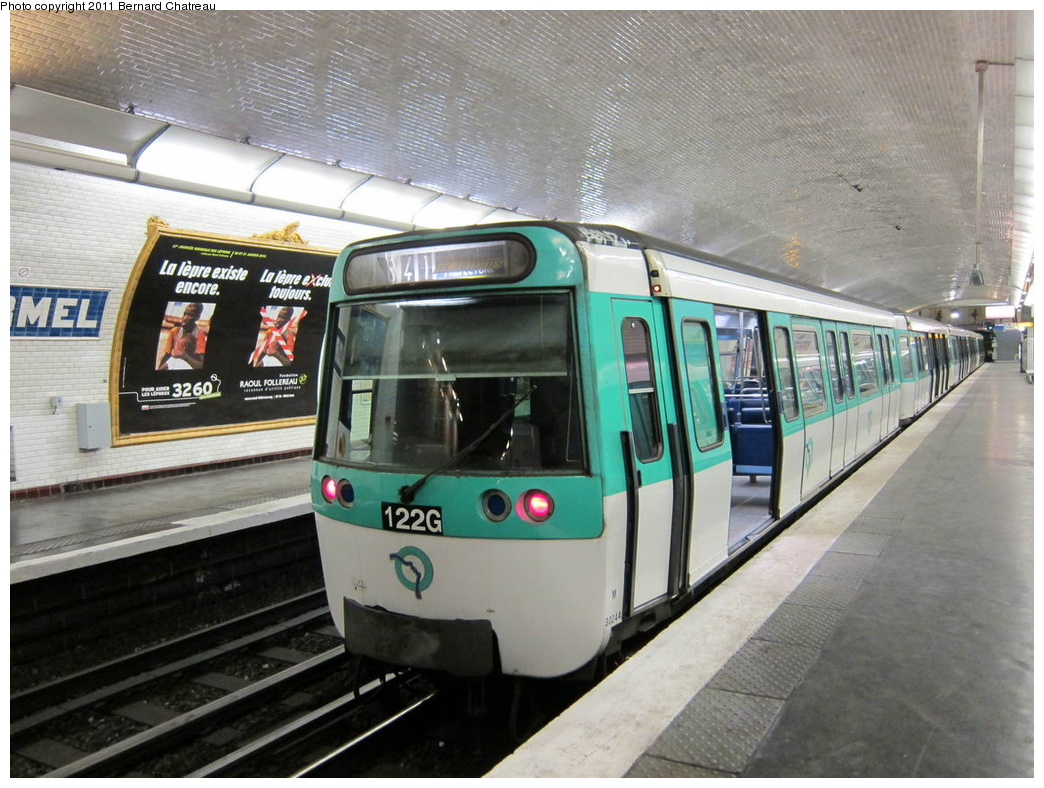 (326k, 1044x788)<br><b>Country:</b> France<br><b>City:</b> Paris<br><b>System:</b> RATP (Régie Autonome des Transports Parisiens)<br><b>Line:</b> Metro Ligne 8<br><b>Location:</b> Lourmel<br><b>Car:</b> MF77 30244 <br><b>Photo by:</b> Bernard Chatreau<br><b>Date:</b> 1/28/2010<br><b>Viewed (this week/total):</b> 0 / 437