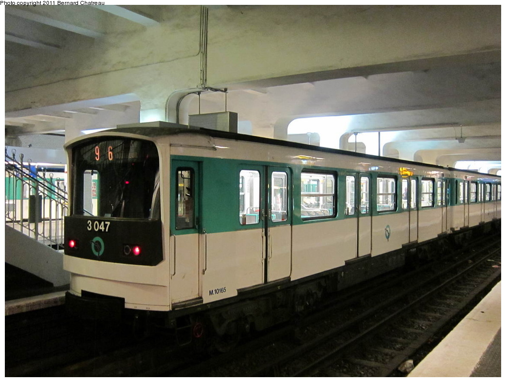 (256k, 1044x788)<br><b>Country:</b> France<br><b>City:</b> Paris<br><b>System:</b> RATP (Régie Autonome des Transports Parisiens)<br><b>Line:</b> Metro Ligne 9<br><b>Location:</b> Porte de Saint-Cloud <br><b>Car:</b> MF67 10165 <br><b>Photo by:</b> Bernard Chatreau<br><b>Date:</b> 6/30/2010<br><b>Viewed (this week/total):</b> 0 / 372