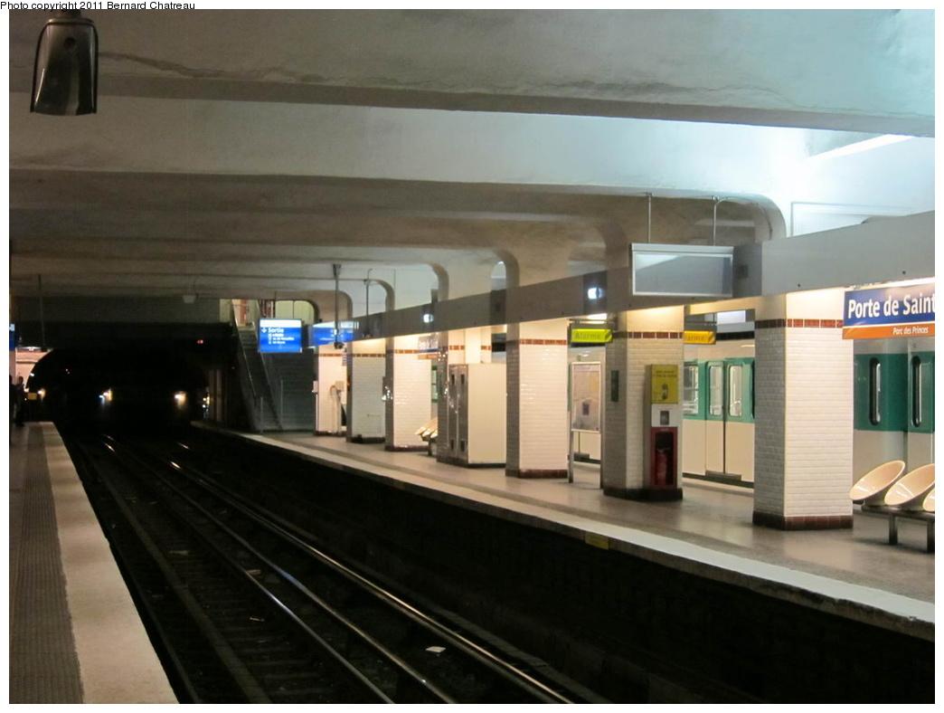 (225k, 1044x788)<br><b>Country:</b> France<br><b>City:</b> Paris<br><b>System:</b> RATP (Régie Autonome des Transports Parisiens)<br><b>Line:</b> Metro Ligne 9<br><b>Location:</b> Porte de Saint-Cloud <br><b>Photo by:</b> Bernard Chatreau<br><b>Date:</b> 6/30/2010<br><b>Viewed (this week/total):</b> 0 / 358