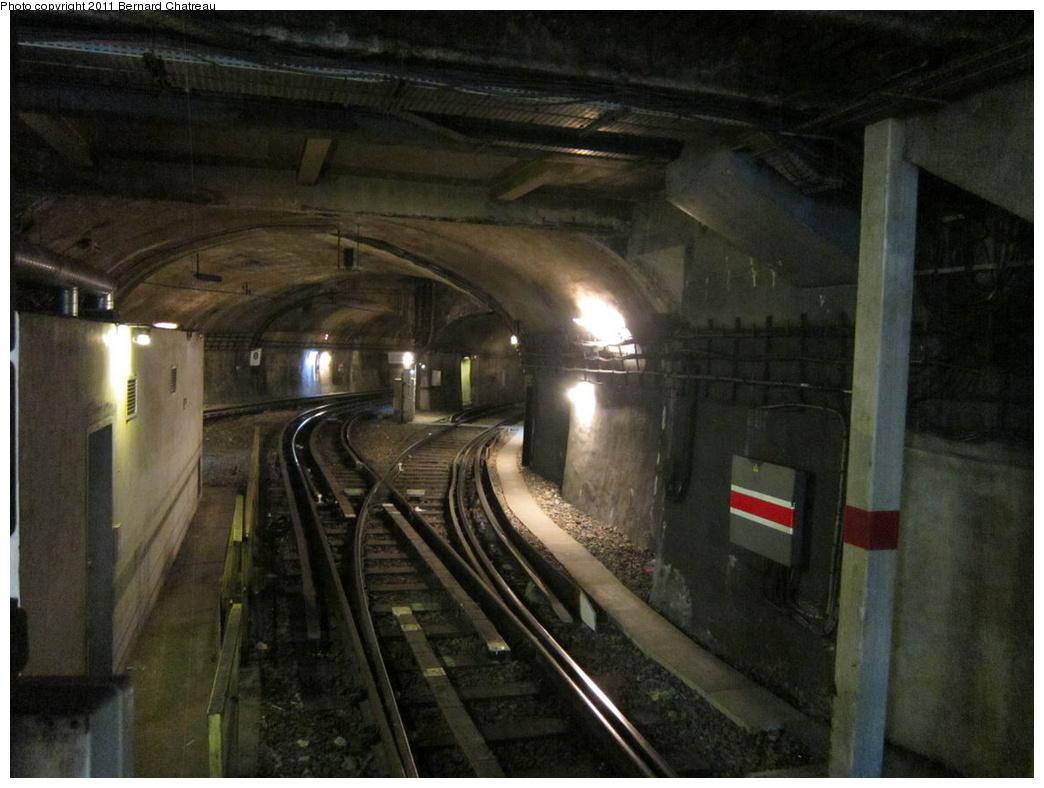 (277k, 1044x788)<br><b>Country:</b> France<br><b>City:</b> Paris<br><b>System:</b> RATP (Régie Autonome des Transports Parisiens)<br><b>Line:</b> Metro Ligne 9<br><b>Location:</b> Porte de Saint-Cloud <br><b>Photo by:</b> Bernard Chatreau<br><b>Date:</b> 6/30/2010<br><b>Viewed (this week/total):</b> 1 / 659