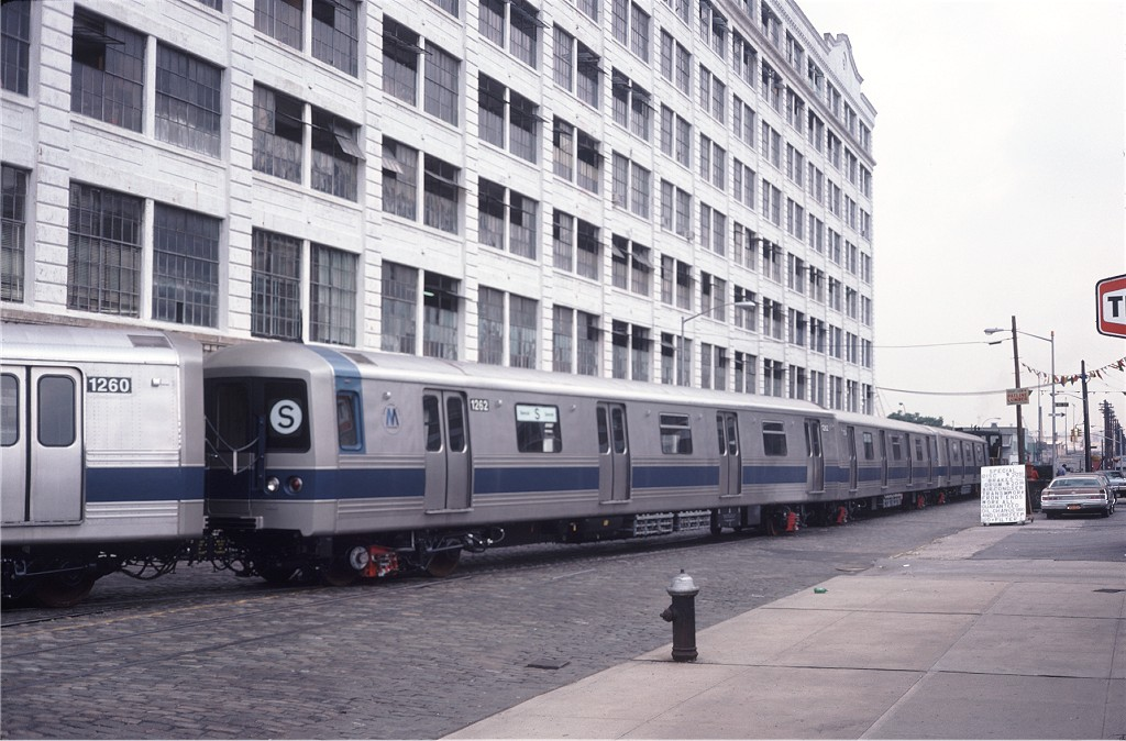 (194k, 1024x674)<br><b>Country:</b> United States<br><b>City:</b> New York<br><b>System:</b> New York City Transit<br><b>Line:</b> South Brooklyn Railway<br><b>Location:</b> Bush Terminal - 2nd Ave & 41st (BTRR)<br><b>Car:</b> R-46 (Pullman-Standard, 1974-75) 1262 <br><b>Photo by:</b> Steve Zabel<br><b>Collection of:</b> Joe Testagrose<br><b>Date:</b> 6/27/1977<br><b>Viewed (this week/total):</b> 0 / 1047
