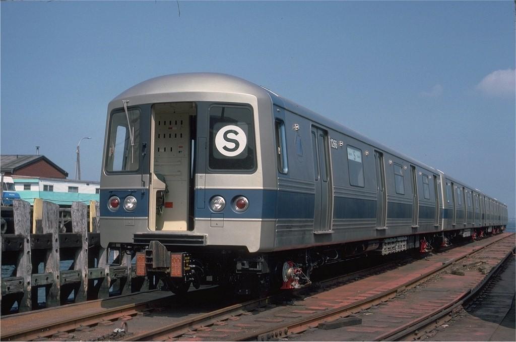 (156k, 1024x678)<br><b>Country:</b> United States<br><b>City:</b> New York<br><b>System:</b> New York City Transit<br><b>Location:</b> 1st Ave/50th St<br><b>Car:</b> R-46 (Pullman-Standard, 1974-75) 1266 <br><b>Photo by:</b> Ed McKernan<br><b>Collection of:</b> Joe Testagrose<br><b>Date:</b> 6/17/1977<br><b>Viewed (this week/total):</b> 0 / 653