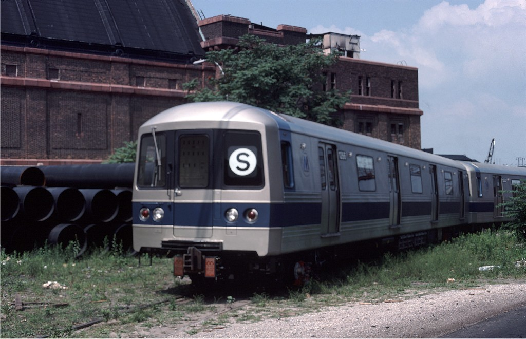 (164k, 1024x660)<br><b>Country:</b> United States<br><b>City:</b> New York<br><b>System:</b> New York City Transit<br><b>Location:</b> 1st Ave/50th St<br><b>Car:</b> R-46 (Pullman-Standard, 1974-75) 1266 <br><b>Photo by:</b> Ed McKernan<br><b>Collection of:</b> Joe Testagrose<br><b>Date:</b> 6/27/1977<br><b>Viewed (this week/total):</b> 0 / 621