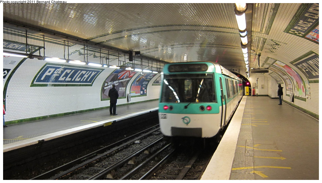 (299k, 1044x594)<br><b>Country:</b> France<br><b>City:</b> Paris<br><b>System:</b> RATP (Régie Autonome des Transports Parisiens)<br><b>Line:</b> Metro Ligne 13<br><b>Location:</b> Place de Clichy <br><b>Car:</b> MF77 30001 <br><b>Photo by:</b> Bernard Chatreau<br><b>Date:</b> 1/11/2011<br><b>Viewed (this week/total):</b> 0 / 434
