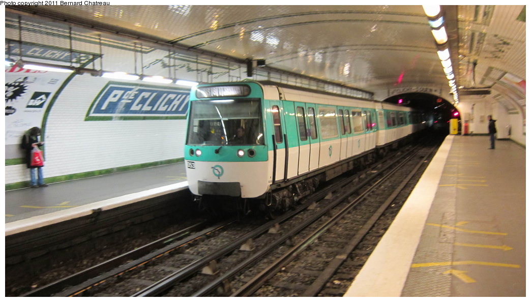 (249k, 1044x594)<br><b>Country:</b> France<br><b>City:</b> Paris<br><b>System:</b> RATP (Régie Autonome des Transports Parisiens)<br><b>Line:</b> Metro Ligne 13<br><b>Location:</b> Place de Clichy <br><b>Car:</b> MF77 30106 <br><b>Photo by:</b> Bernard Chatreau<br><b>Date:</b> 1/11/2011<br><b>Viewed (this week/total):</b> 0 / 413