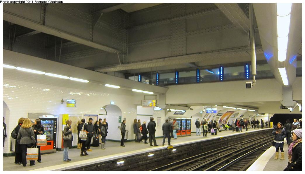(251k, 1044x594)<br><b>Country:</b> France<br><b>City:</b> Paris<br><b>System:</b> RATP (Régie Autonome des Transports Parisiens)<br><b>Line:</b> Metro Ligne 7<br><b>Location:</b> Gare de l'Est <br><b>Photo by:</b> Bernard Chatreau<br><b>Date:</b> 12/3/2010<br><b>Viewed (this week/total):</b> 1 / 355