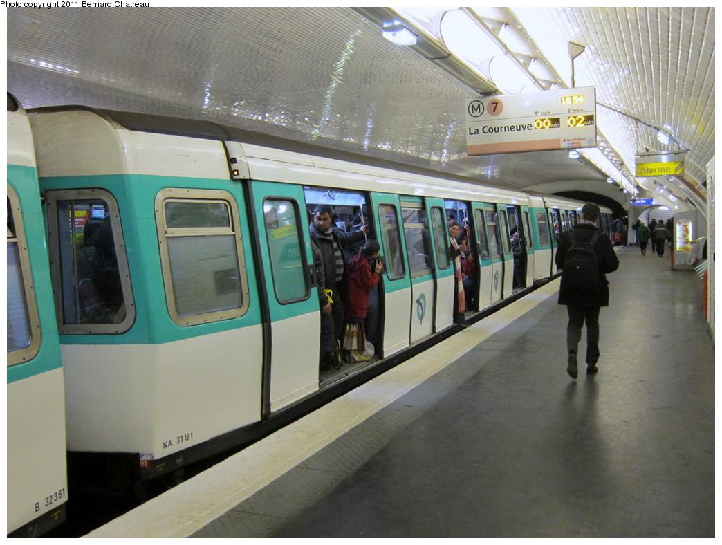 (302k, 1044x788)<br><b>Country:</b> France<br><b>City:</b> Paris<br><b>System:</b> RATP (Régie Autonome des Transports Parisiens)<br><b>Line:</b> Metro Ligne 7<br><b>Location:</b> Le Peletier<br><b>Car:</b> MF77 31181 <br><b>Photo by:</b> Bernard Chatreau<br><b>Date:</b> 2/23/2010<br><b>Viewed (this week/total):</b> 1 / 438