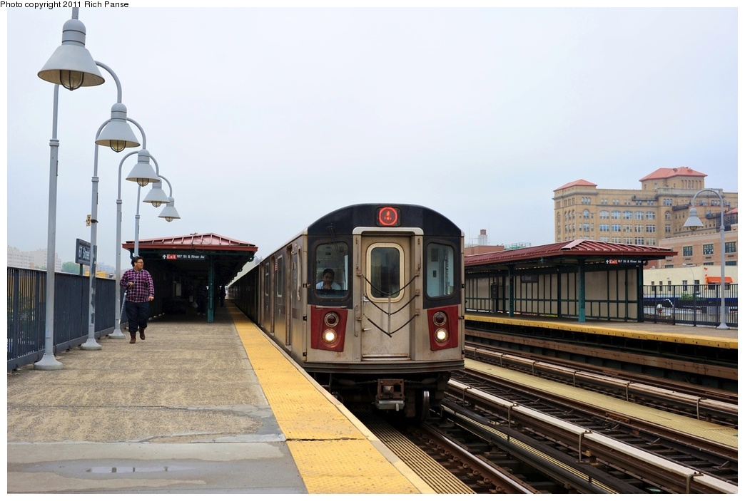 (228k, 1044x703)<br><b>Country:</b> United States<br><b>City:</b> New York<br><b>System:</b> New York City Transit<br><b>Line:</b> IRT Woodlawn Line<br><b>Location:</b> 167th Street <br><b>Route:</b> 4<br><b>Car:</b> R-142 or R-142A (Number Unknown)  <br><b>Photo by:</b> Richard Panse<br><b>Date:</b> 5/22/2011<br><b>Viewed (this week/total):</b> 2 / 957