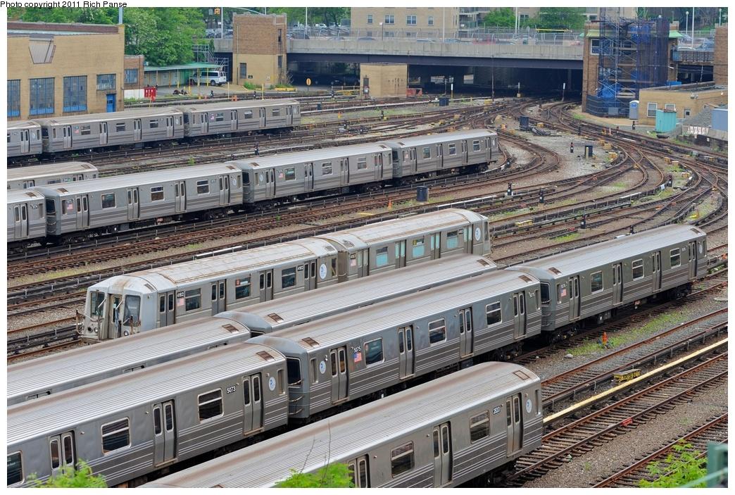 (390k, 1044x703)<br><b>Country:</b> United States<br><b>City:</b> New York<br><b>System:</b> New York City Transit<br><b>Location:</b> Concourse Yard<br><b>Car:</b> R-68A (Kawasaki, 1988-1989)   <br><b>Photo by:</b> Richard Panse<br><b>Date:</b> 5/22/2011<br><b>Viewed (this week/total):</b> 0 / 1218