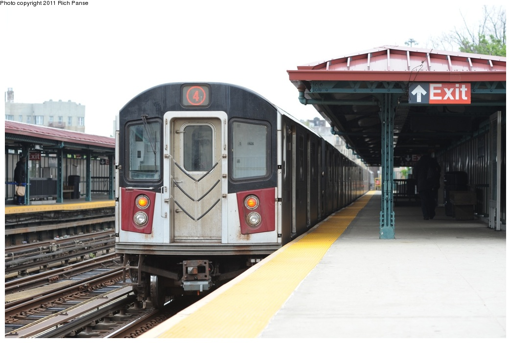 (201k, 1044x702)<br><b>Country:</b> United States<br><b>City:</b> New York<br><b>System:</b> New York City Transit<br><b>Line:</b> IRT Woodlawn Line<br><b>Location:</b> Bedford Park Boulevard <br><b>Route:</b> 4<br><b>Car:</b> R-142 or R-142A (Number Unknown)  <br><b>Photo by:</b> Richard Panse<br><b>Date:</b> 5/22/2011<br><b>Viewed (this week/total):</b> 2 / 902