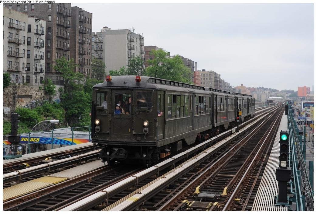 (295k, 1044x703)<br><b>Country:</b> United States<br><b>City:</b> New York<br><b>System:</b> New York City Transit<br><b>Line:</b> IRT Woodlawn Line<br><b>Location:</b> Mt. Eden Avenue <br><b>Route:</b> Transit Museum Nostalgia Train<br><b>Car:</b> Low-V (Museum Train) 5292 <br><b>Photo by:</b> Richard Panse<br><b>Date:</b> 5/22/2011<br><b>Viewed (this week/total):</b> 2 / 1319