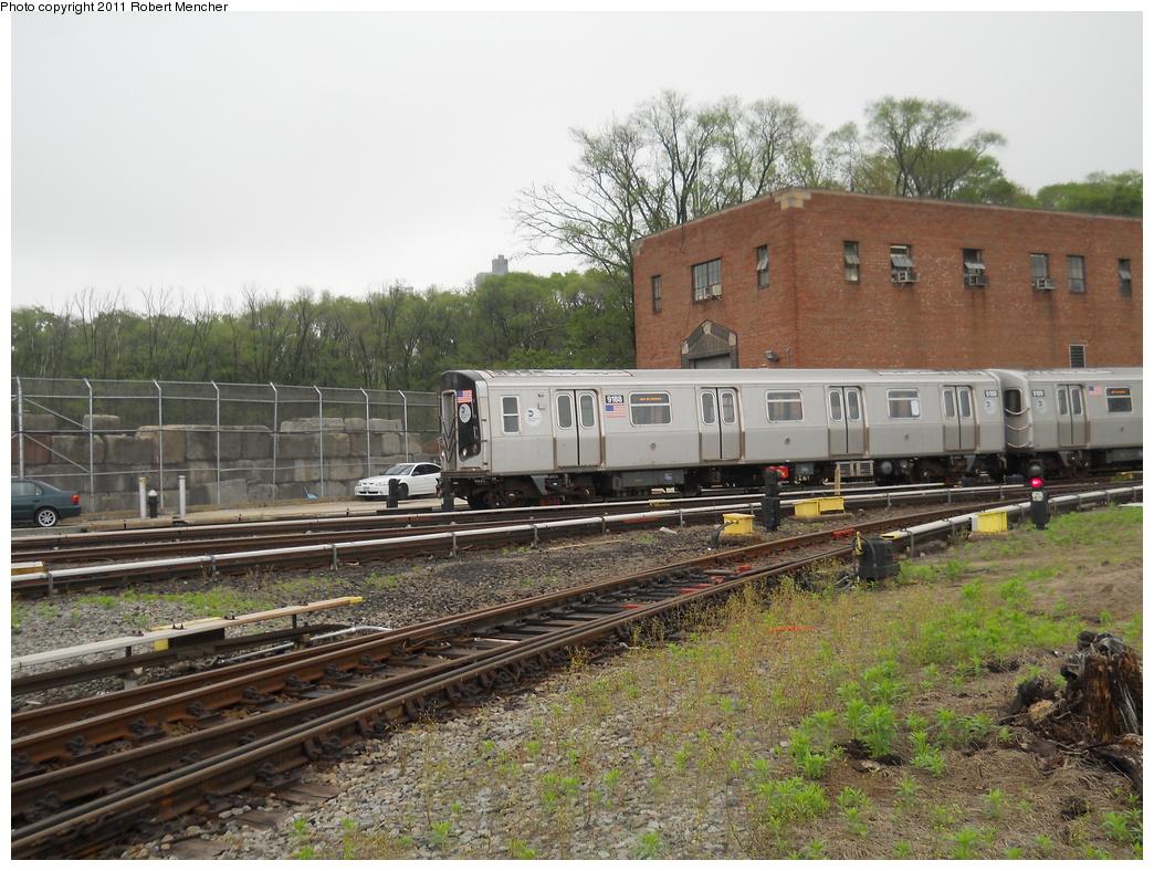 (432k, 1044x788)<br><b>Country:</b> United States<br><b>City:</b> New York<br><b>System:</b> New York City Transit<br><b>Location:</b> Jamaica Yard/Shops<br><b>Car:</b> R-160B (Option 1) (Kawasaki, 2008-2009)  9188 <br><b>Photo by:</b> Robert Mencher<br><b>Date:</b> 5/19/2011<br><b>Viewed (this week/total):</b> 3 / 1084