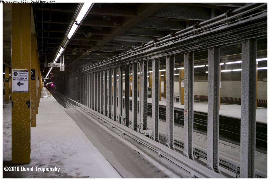 (334k, 1044x702)<br><b>Country:</b> United States<br><b>City:</b> New York<br><b>System:</b> New York City Transit<br><b>Line:</b> BMT 4th Avenue<br><b>Location:</b> 59th Street <br><b>Photo by:</b> David Tropiansky<br><b>Date:</b> 12/27/2010<br><b>Notes:</b> Blizzard of 2010<br><b>Viewed (this week/total):</b> 0 / 2336