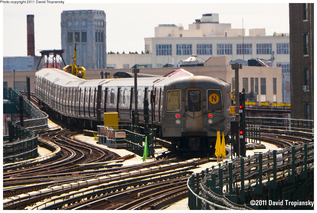 (453k, 1044x703)<br><b>Country:</b> United States<br><b>City:</b> New York<br><b>System:</b> New York City Transit<br><b>Line:</b> BMT Astoria Line<br><b>Location:</b> 39th/Beebe Aves. <br><b>Route:</b> N<br><b>Car:</b> R-68A (Kawasaki, 1988-1989)  5038 <br><b>Photo by:</b> David Tropiansky<br><b>Date:</b> 6/4/2011<br><b>Viewed (this week/total):</b> 2 / 1636