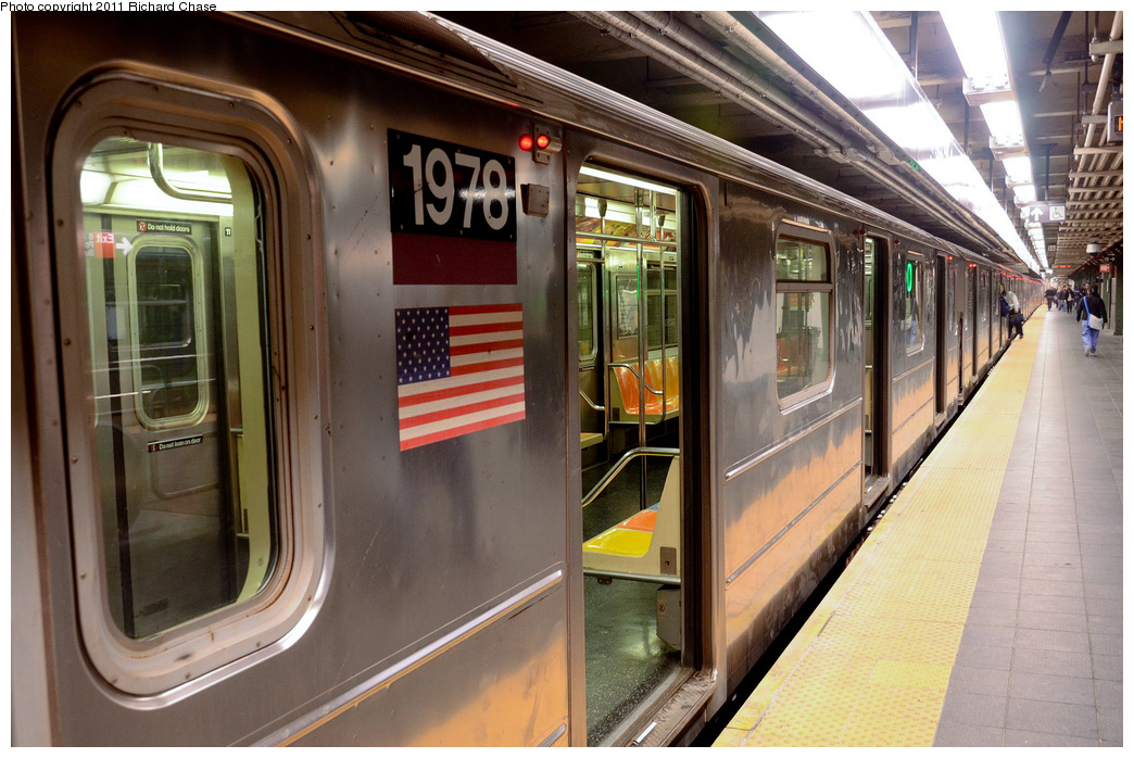 (367k, 1044x698)<br><b>Country:</b> United States<br><b>City:</b> New York<br><b>System:</b> New York City Transit<br><b>Line:</b> IRT Flushing Line<br><b>Location:</b> Times Square <br><b>Route:</b> 7<br><b>Car:</b> R-62A (Bombardier, 1984-1987)  1978 <br><b>Photo by:</b> Richard Chase<br><b>Date:</b> 5/23/2011<br><b>Viewed (this week/total):</b> 0 / 1380