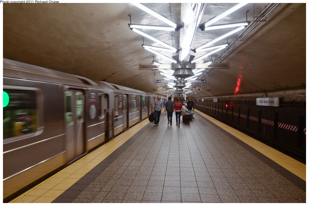 (331k, 1044x698)<br><b>Country:</b> United States<br><b>City:</b> New York<br><b>System:</b> New York City Transit<br><b>Line:</b> IRT Flushing Line<br><b>Location:</b> Grand Central <br><b>Route:</b> 7<br><b>Car:</b> R-62A (Bombardier, 1984-1987)   <br><b>Photo by:</b> Richard Chase<br><b>Date:</b> 5/23/2011<br><b>Viewed (this week/total):</b> 1 / 2234
