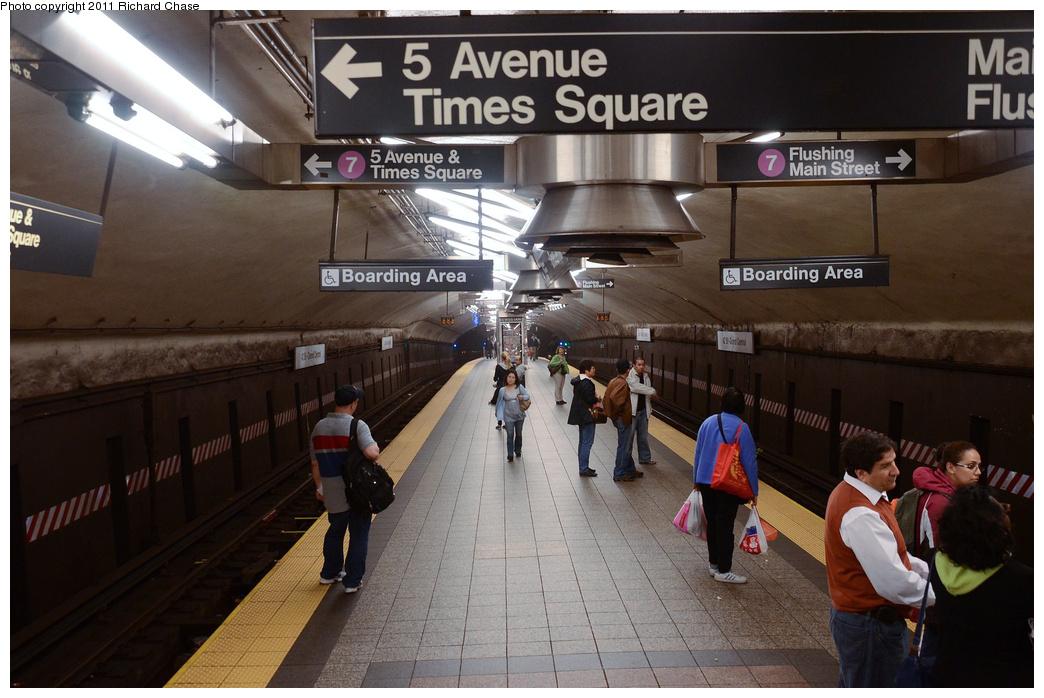 (341k, 1044x698)<br><b>Country:</b> United States<br><b>City:</b> New York<br><b>System:</b> New York City Transit<br><b>Line:</b> IRT Flushing Line<br><b>Location:</b> Grand Central <br><b>Photo by:</b> Richard Chase<br><b>Date:</b> 5/23/2011<br><b>Viewed (this week/total):</b> 0 / 1376