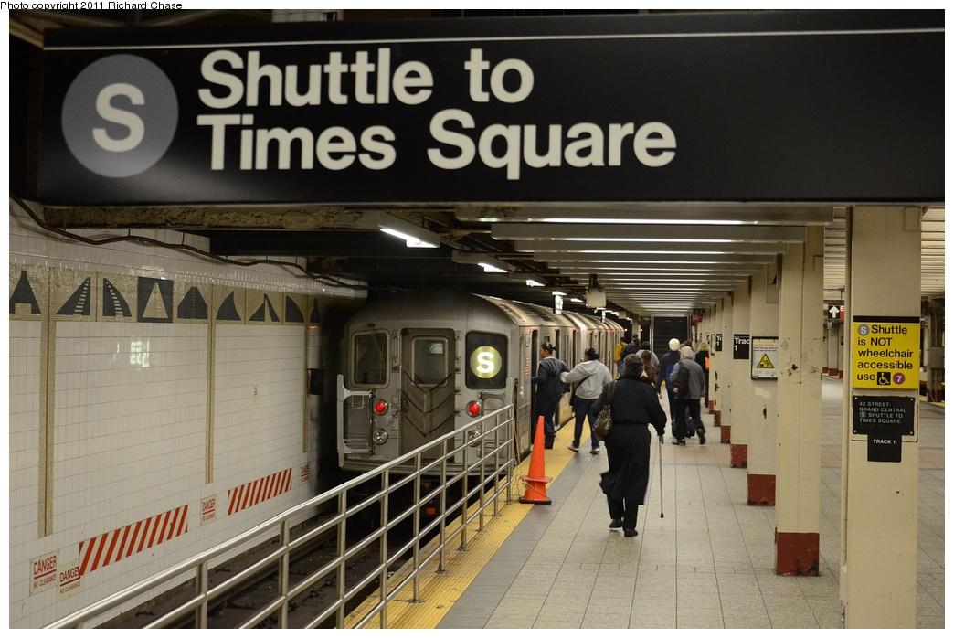 (253k, 1044x698)<br><b>Country:</b> United States<br><b>City:</b> New York<br><b>System:</b> New York City Transit<br><b>Line:</b> IRT Times Square-Grand Central Shuttle<br><b>Location:</b> Grand Central <br><b>Route:</b> S<br><b>Car:</b> R-62A (Bombardier, 1984-1987)   <br><b>Photo by:</b> Richard Chase<br><b>Date:</b> 5/23/2011<br><b>Viewed (this week/total):</b> 0 / 1095